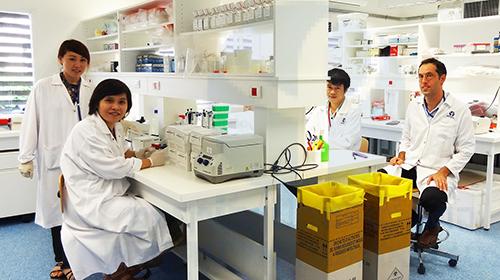 lao-scientist2